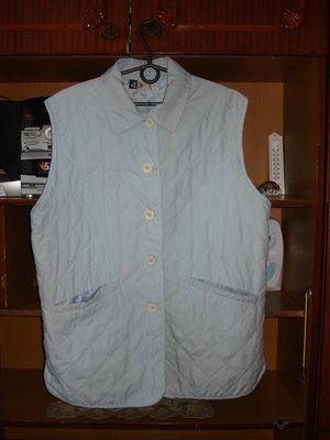 Фирменная жилетка на подкладке, размер L