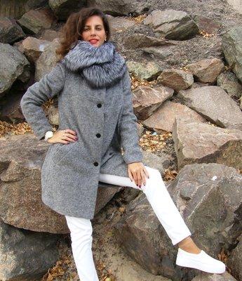 Пальто из кашемира с чернобуркой