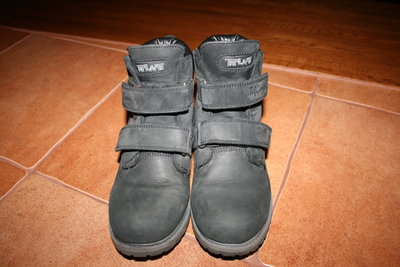 Продам ботинки нубуковые Tiflani Waterproof р.33. Состояние отличное. Длинна стельки 21,5см., вся ст