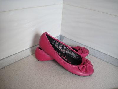 Туфли яркие.кожа-замен.32-34 р.